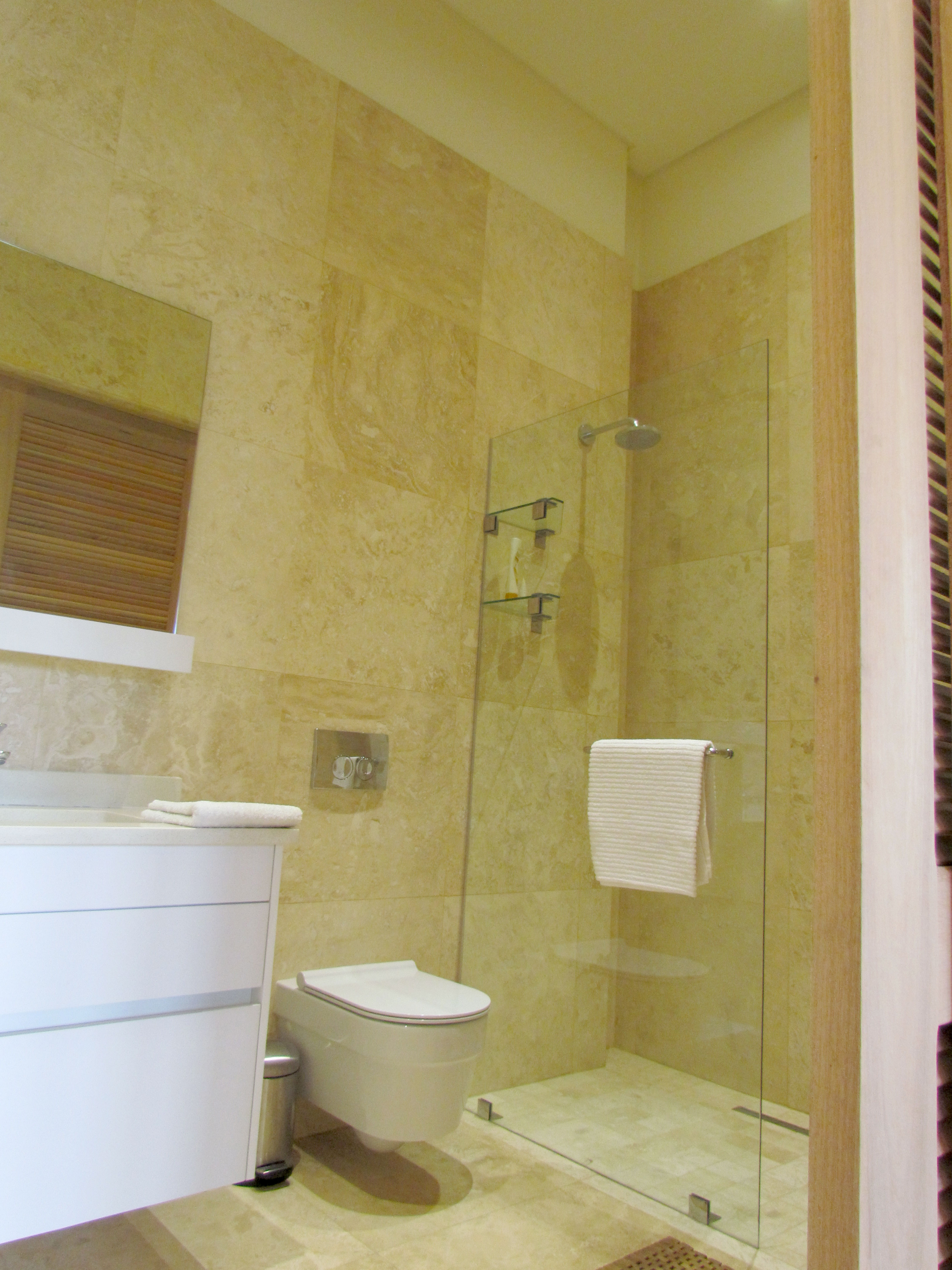 en-suite shower room in bedroom 3