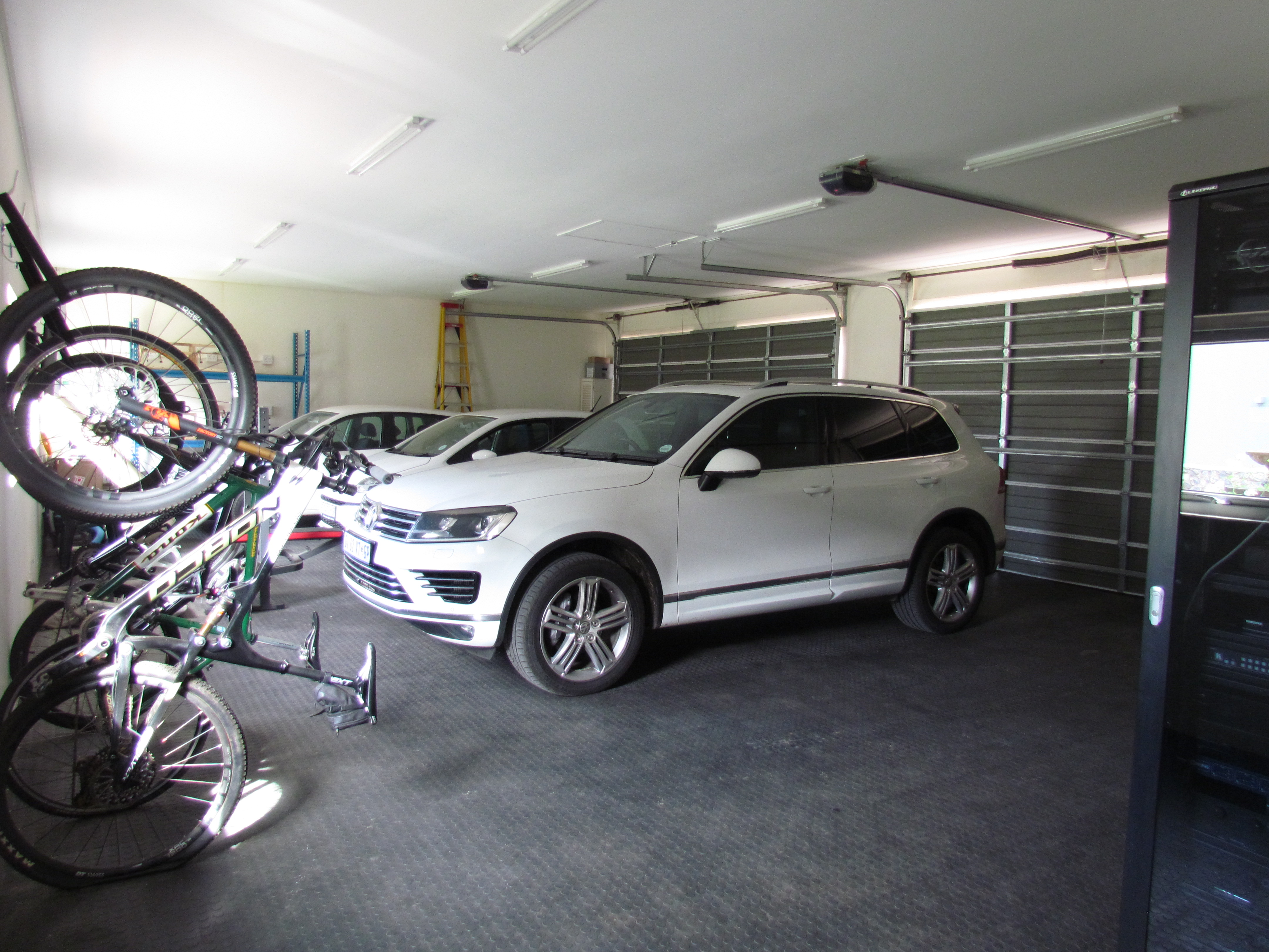 Two Double Garages_Extra Length and Width