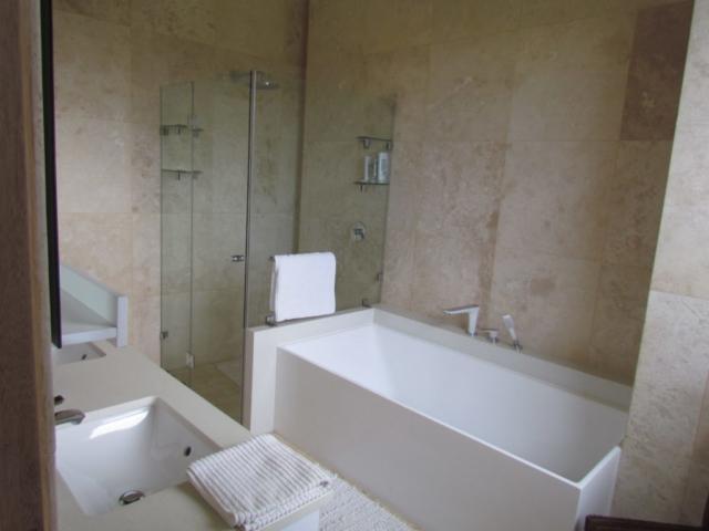 Bedroom 4_Bathroom