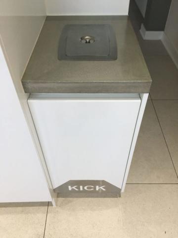 Laundry_Kick bin