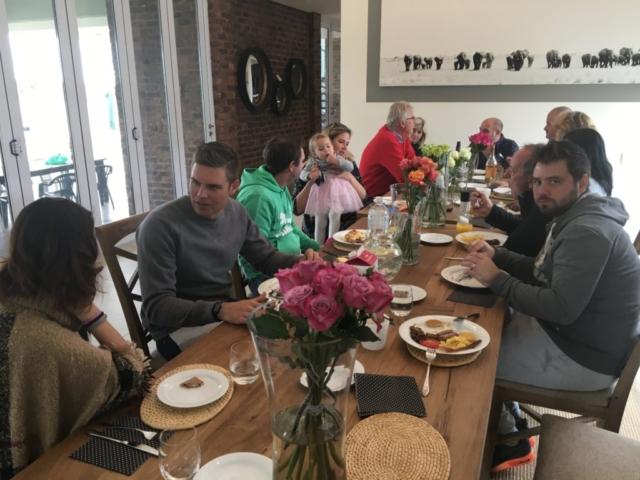 Dining room_in full swing